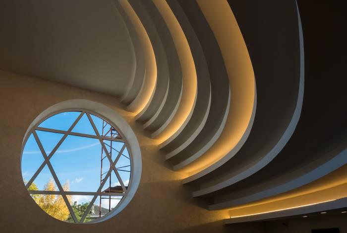 На потолке двенадцать сводов. Фото Светланы Васильевой