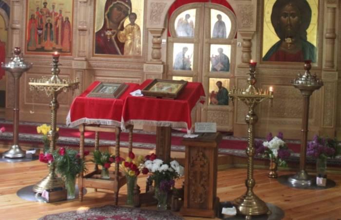 церковь, алтарь, свечи