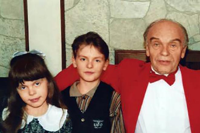 Владимир Шаинский с детьми.