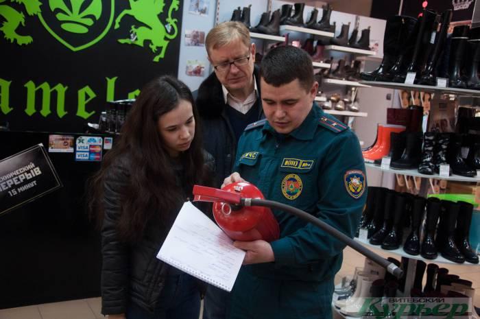 «И нас всех выгнали!» Как эвакуация в ТЦ «Беларусь» пошла не совсем по плану
