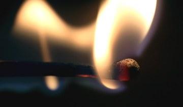 спичка огонь