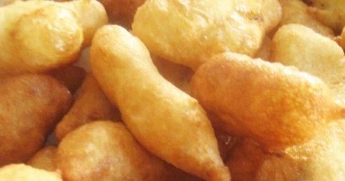 Пончики с рикоттой и анчоусами