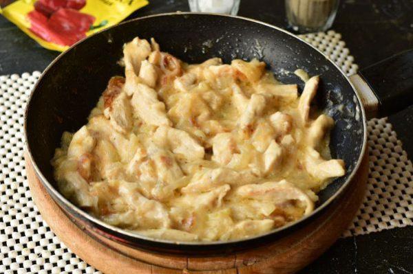Бефстроганов из курицы со сметаной: рецепт с фото пошагово