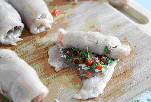 Рулетики из куриного филе в беконе в аэрогриле рецепт с фото
