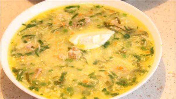 Зеленый борщ с щавелем и яйцом - 9 классических рецептов