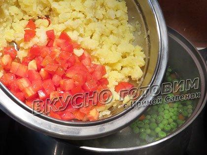 Овощной суп со шпинатом, листовым салатом и зеленым горошком - шаг 3