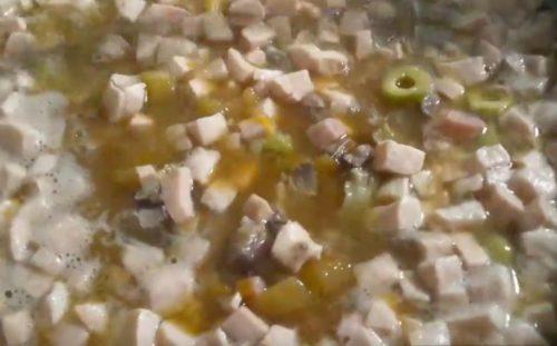 مجموعه گوشت گوشت نمک گوشت با قارچ، گوشت گاو، مرغ و سوسیس