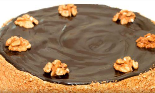 Быстрая шоколадная глазурь из какао, молока и растительного масла