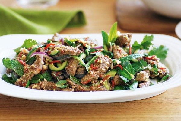 Салаты с мясом - рецепты с фото пошагово | Кулинарная ...