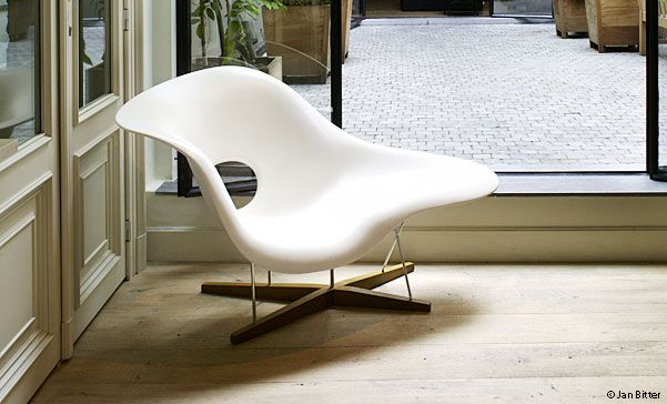 La Chaise in white