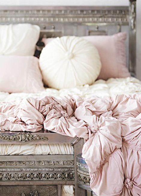Pink bedsheets, so romantic! via Zsazsa Bellagio