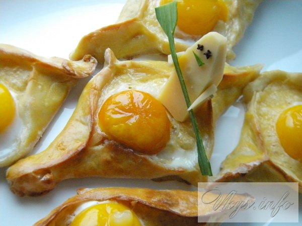 Аджарские хачапури лодочка с яйцом и маслом, вкусный рецепт