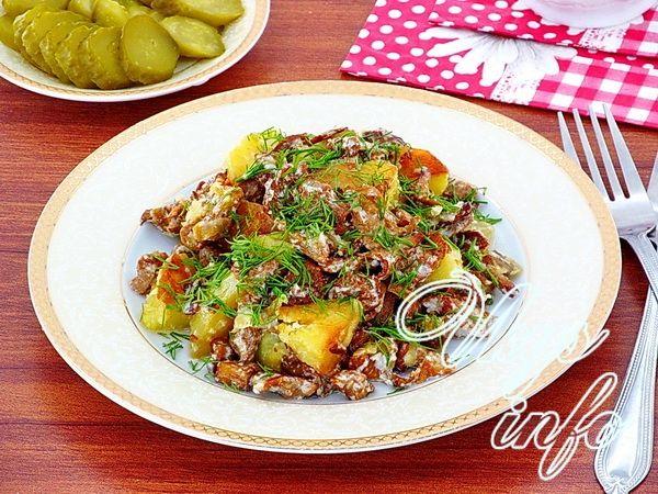 Жареные лисички с картошкой, рецепты с фото пошагово