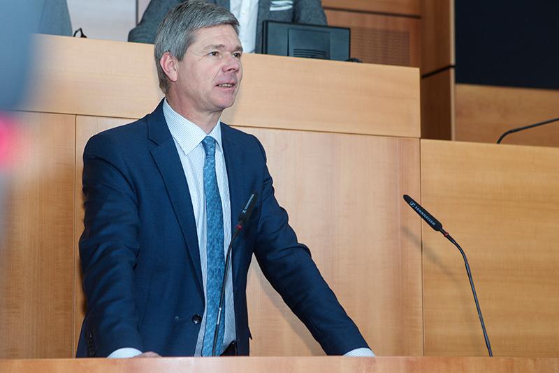 Brusselse regering trekt 7.5 miljoen euro uit voor illegalen en asielzoekers