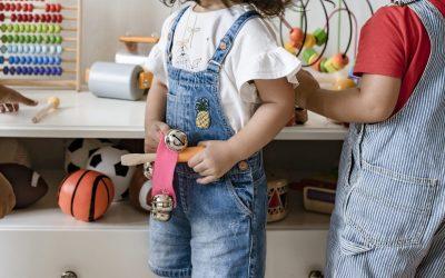 Applique-t-on vraiment à Bruxelles la possibilité de suspendre les allocations familiales pour absentéisme scolaire?
