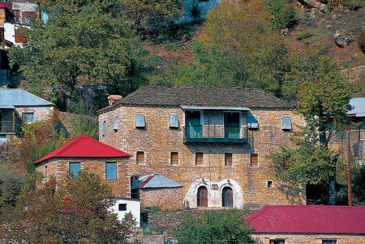 Η Ανθούσα είναι χαρακτηρισμένη ως παραδοσιακός οικισμός.