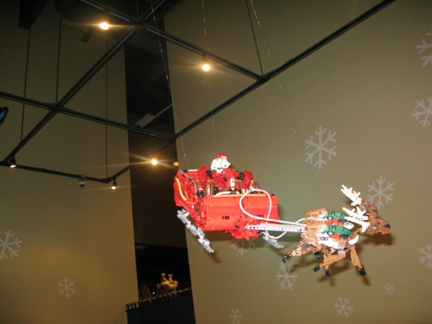 3043425025_ab2d152e03-hanging-santa