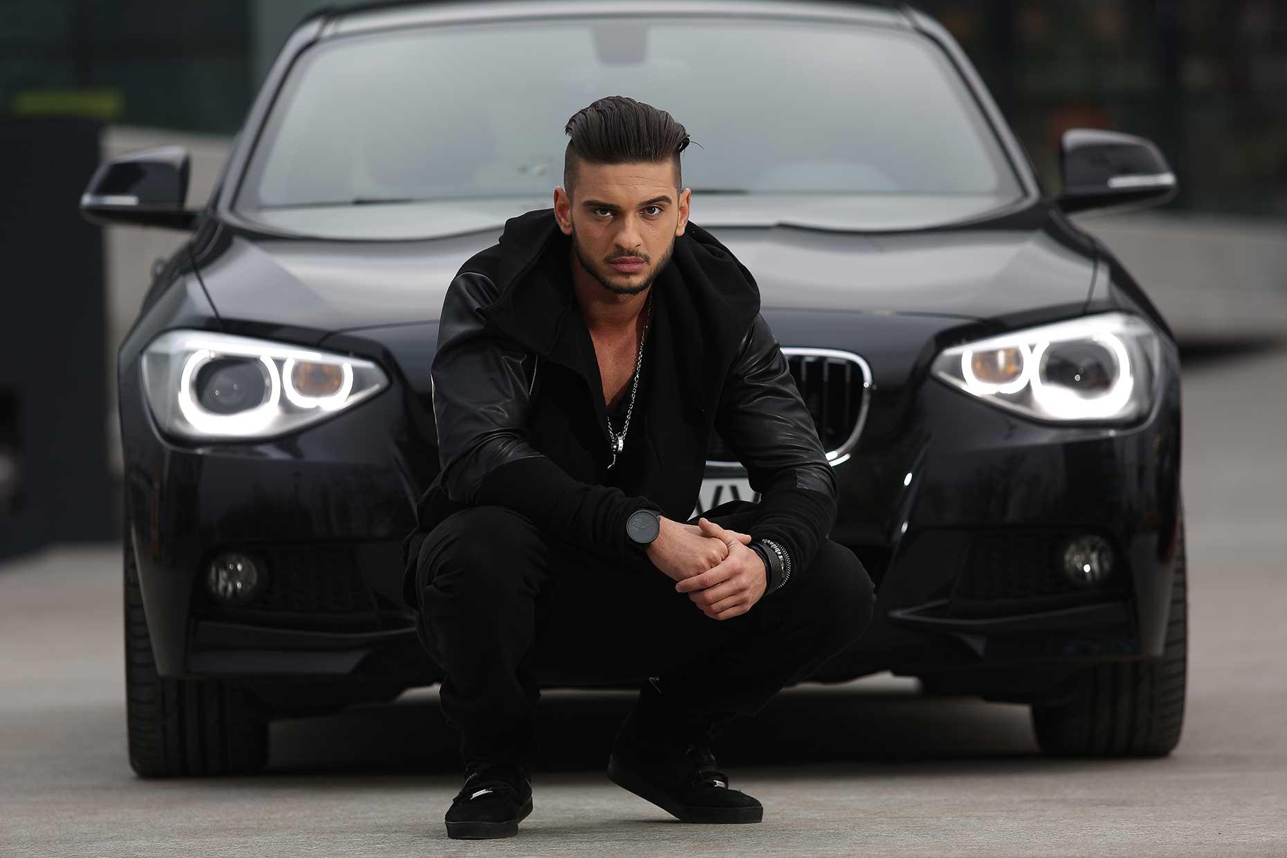 Hotii i-au furat oglinzile de la BMW lui Dorian Popa