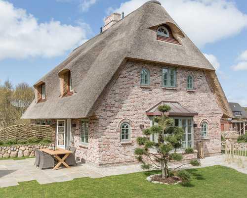 Четырехскатные крыши домов разновидности фото – 65 фото ...