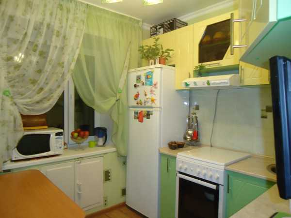 Легкие занавески на кухню – Какие шторы для маленькой ...