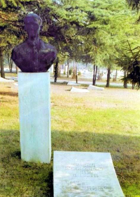 The tomb of Kuzman Josifovski Pitu in Skopje.