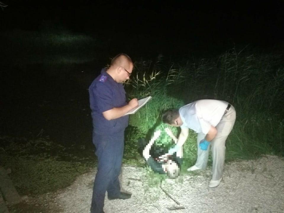 В Балаковском районе мужчине привязали к ногам колесо от машины и утопили - новости балаково