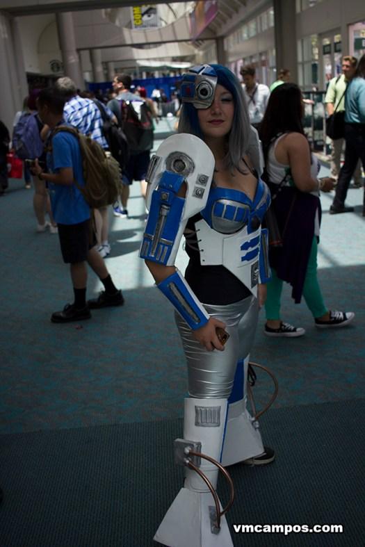 Lady R2-D2