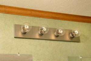 Light fixtures in mobile home bathroom