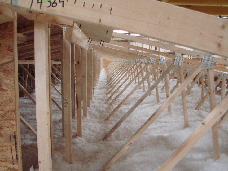 Insulation options for your mobile home vmf homes blog for Insulation options for new homes