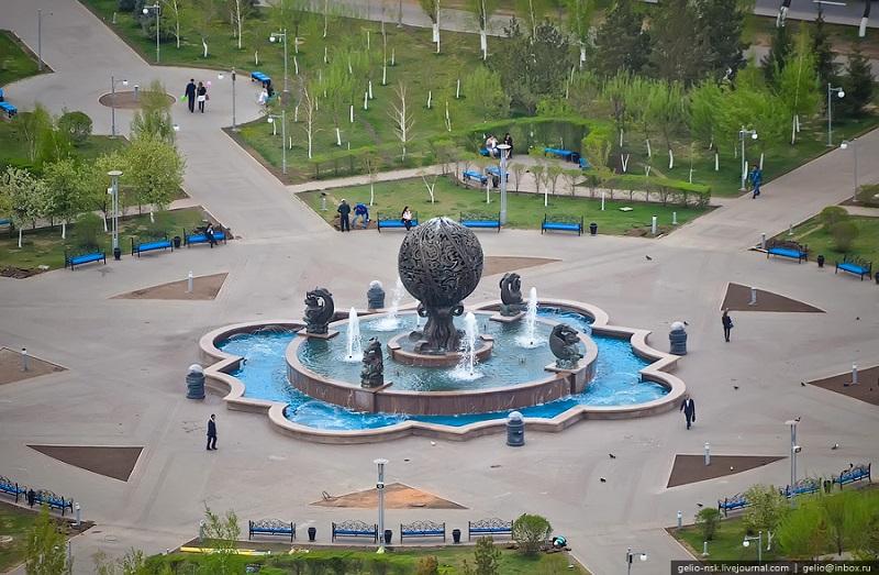 Самые интересные памятники Астаны. Фото
