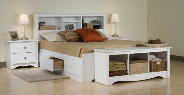 кровать из полок для спальни