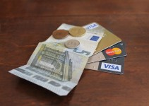 Mở thẻ tín dụng VPBank với thu nhập chỉ từ 4,5 triệu đồng