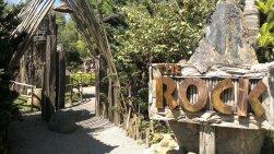 Floating Market Rock Garden's entrance