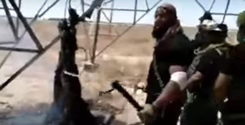 Astaghfirullah!!! Dedengkot Milisi Syiah Irak Panggang Pemuda Sunni Hingga Hangus