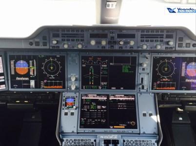 Cockpit A350 4