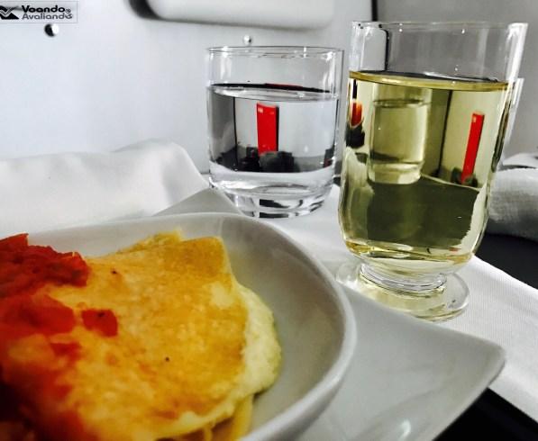 Cafe da Manha e Vinho - A330 - Avianca