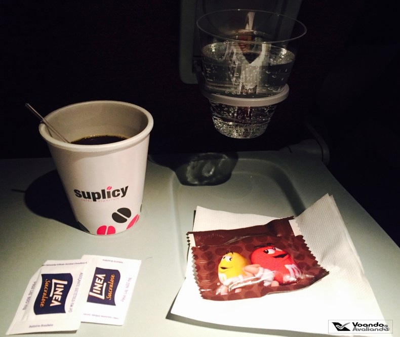 Cafe e M&M - LATAM - JFK-GRU
