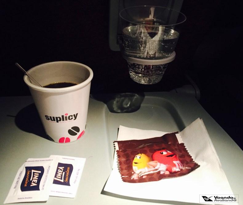 Cafe e M&M - LATAM - JFK-GRU