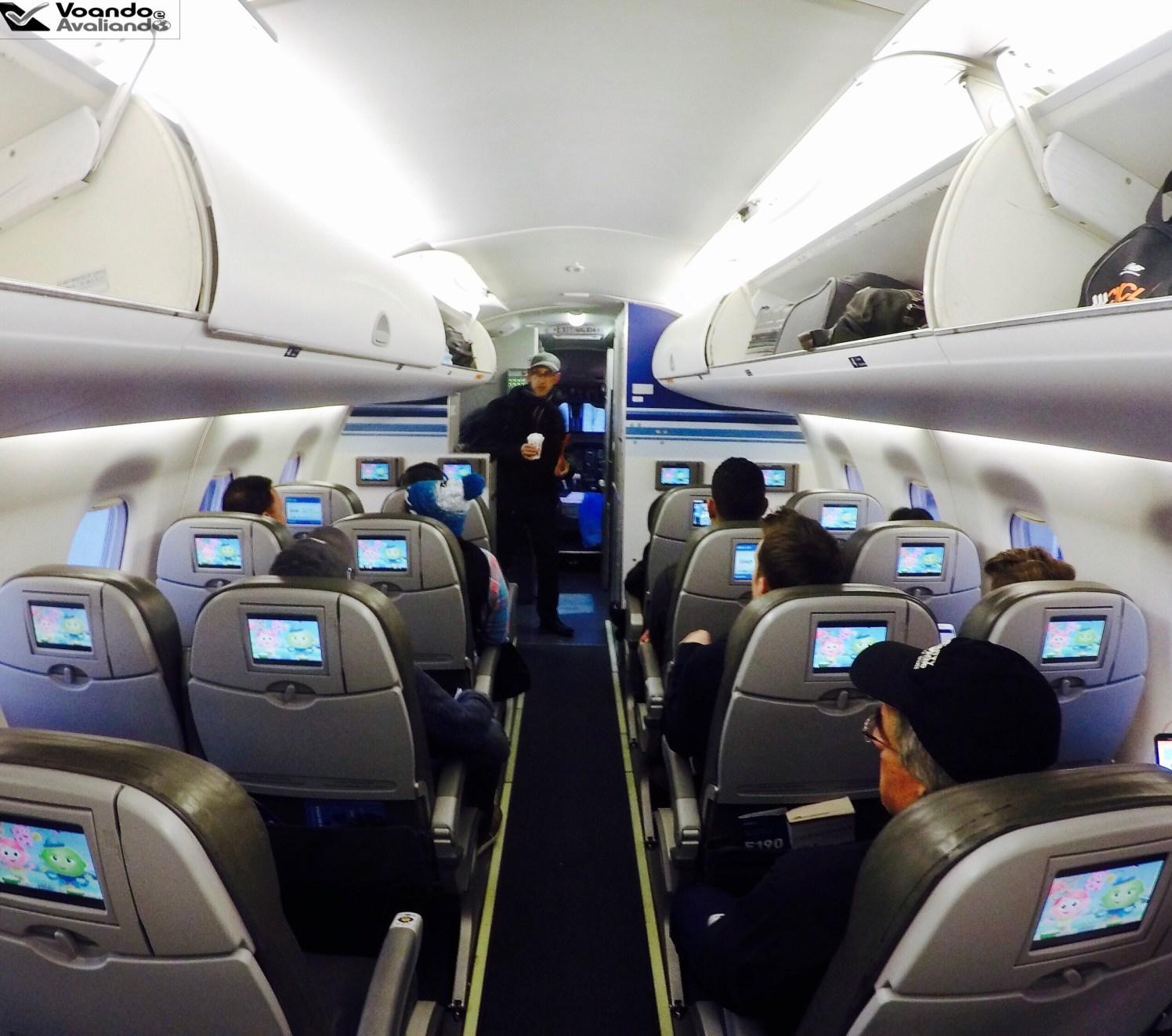 Inside E190 JETBLUE - cabine cheia
