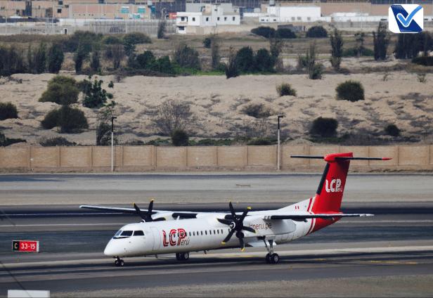 Bombardier - Dash 8 - LC Peru taxiando