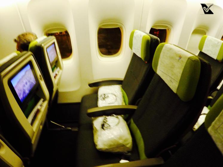 Inside B777 Economica - Assentos Janela 3