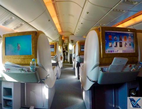 Corredor-B777-Business-Emirates