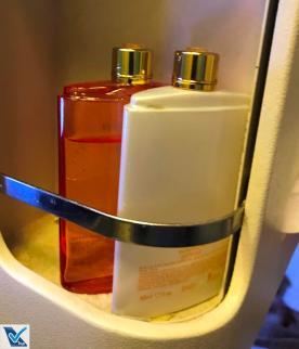 Cremes - Banheiro B777 Emirates