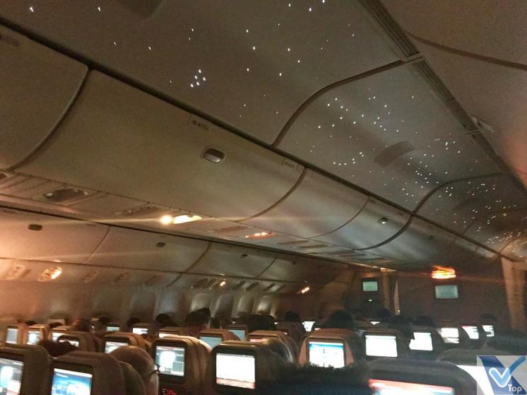 Emirates B777 Teto Iluminado