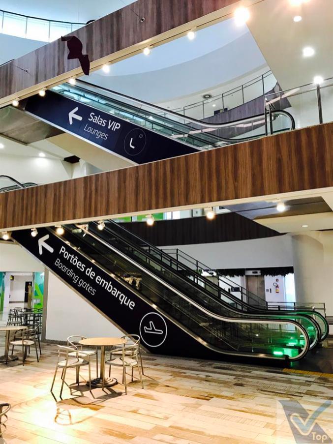 GIG - escadas Embarque Internacional - Gol Premium