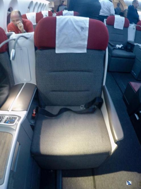 Inside - B787 - Business - LATAM - SCL AKL 6