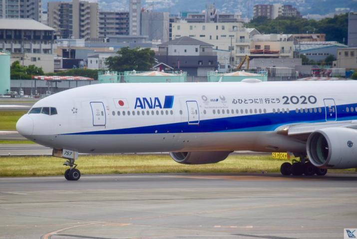 ANA - B777 - Osaka (1)