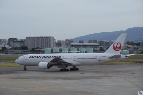 _B777 - JAL