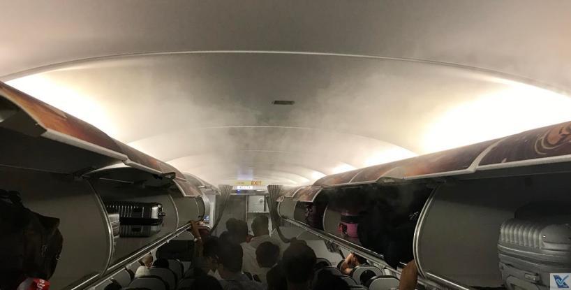 Inside A320 - VietJet Air - Fumaça