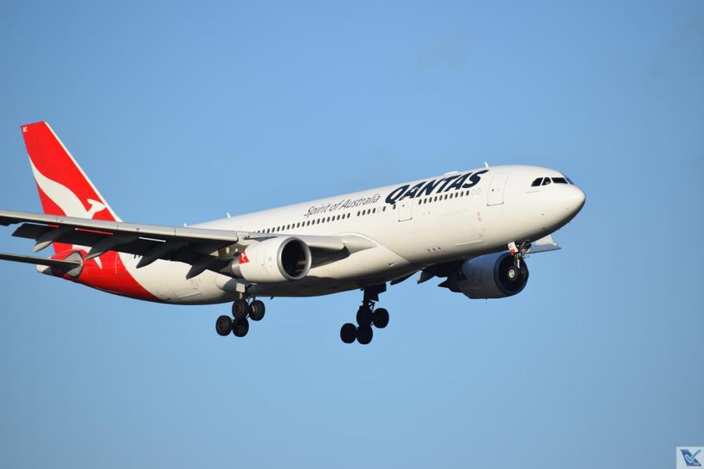 Qantas - A330 - Sydney (2)